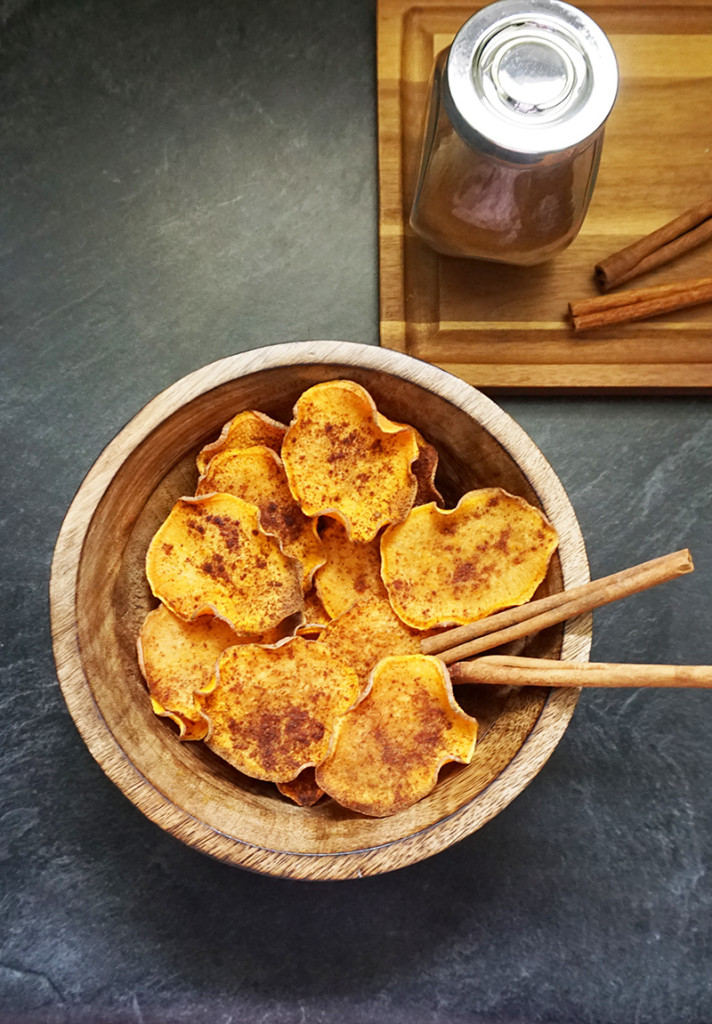 how to make baked sweet potato chips in the oven