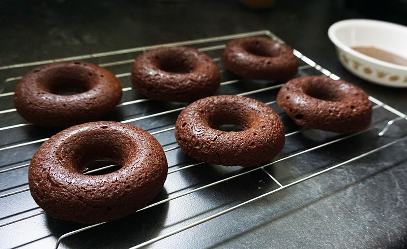 Mexican hot chocoloate brownie donutes recipe from @bijouxandbits