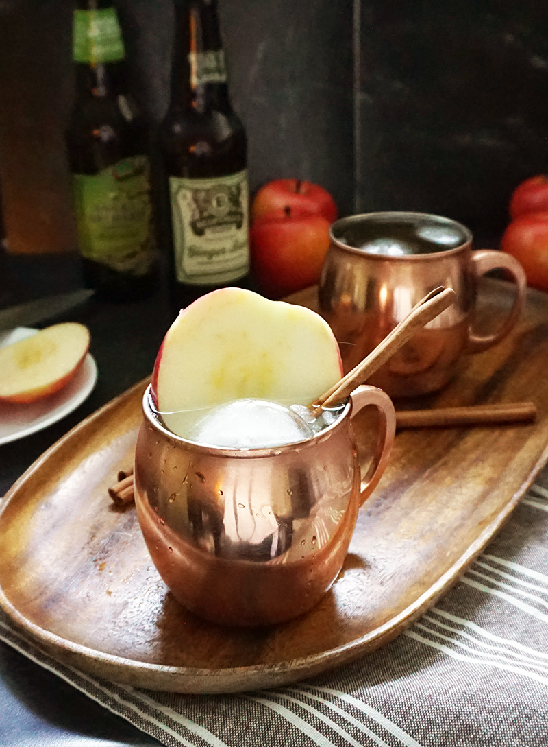 Apple cider Moscow mule recipe from @bijouxandbits