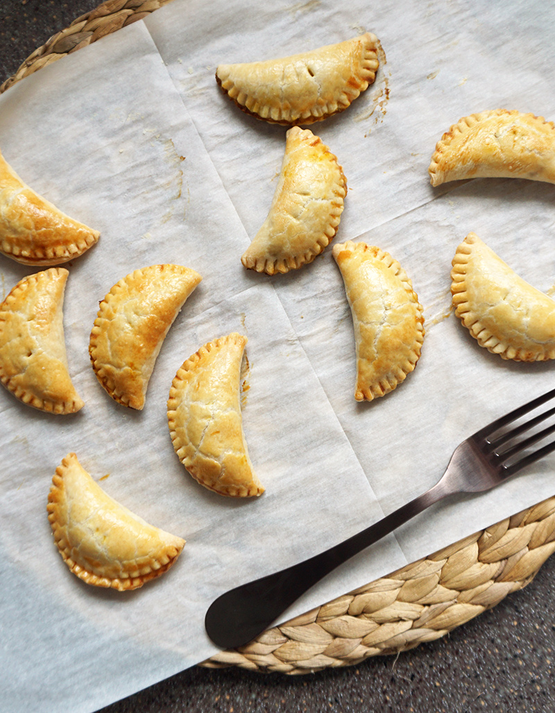 Harry Potter-inspired pumpkin pasties (two ways!) | Bijoux & Bits