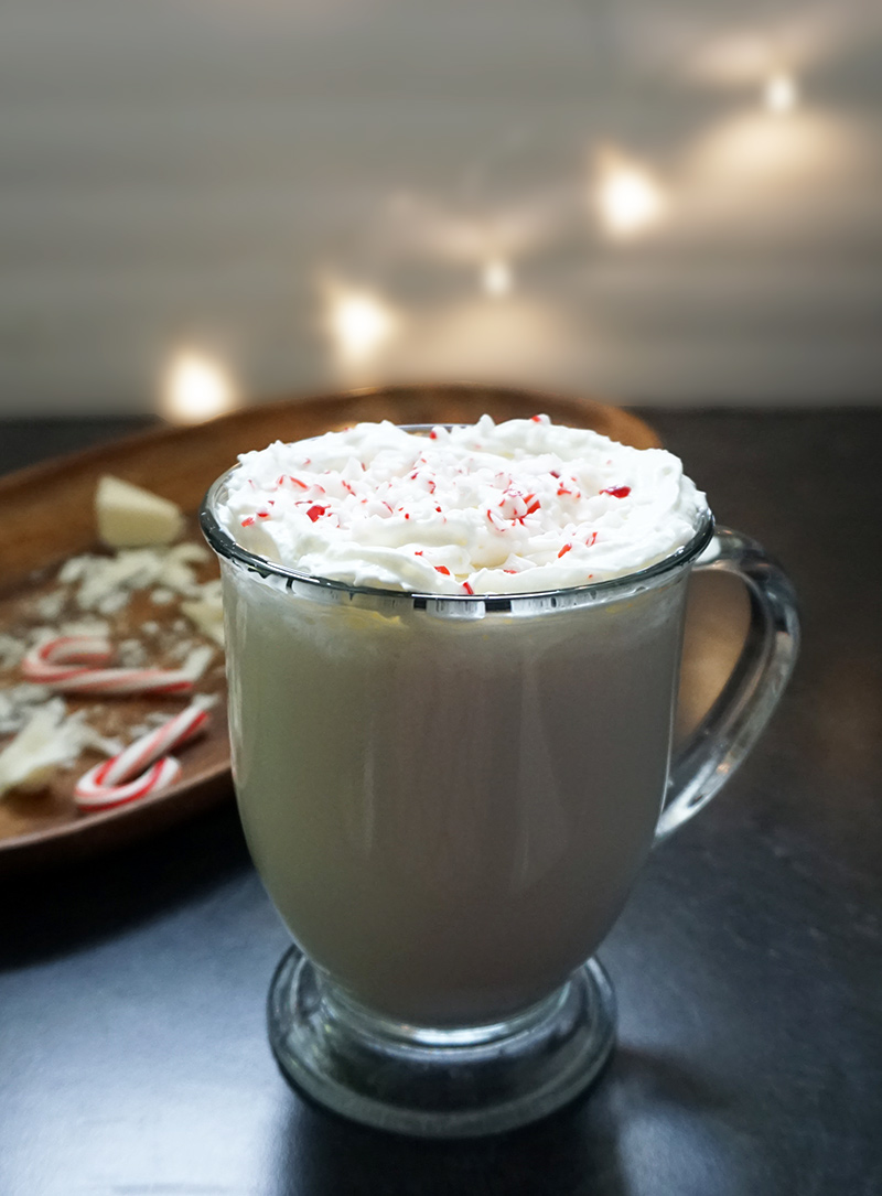 Peppermint white hot chocolate recipe from @bijouxandbits