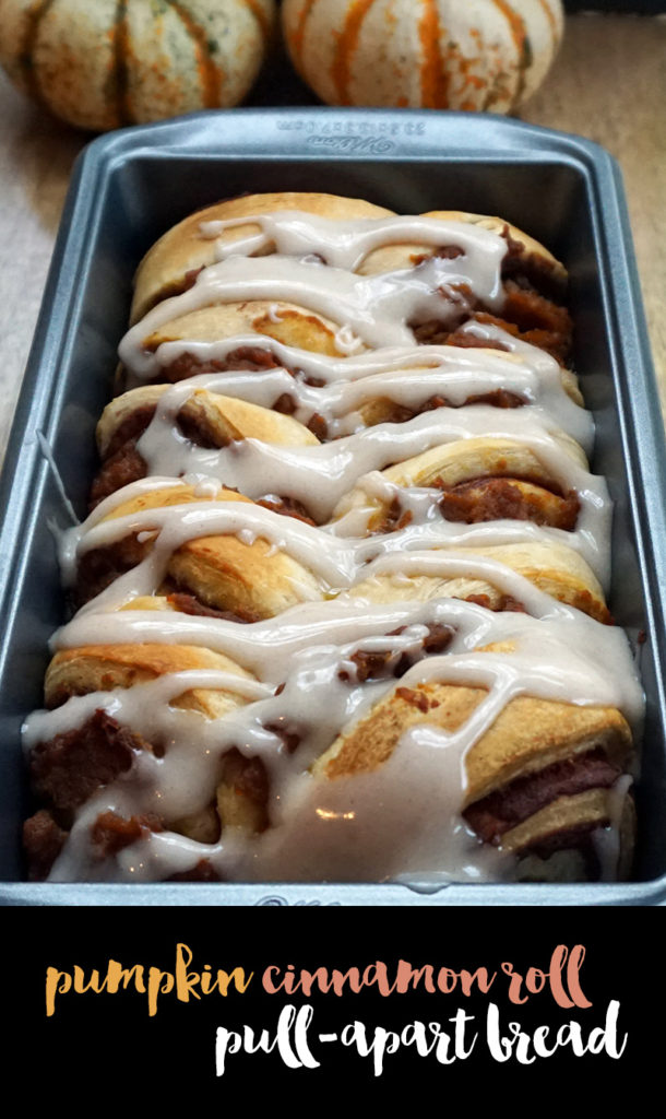 Pumpkin cinnamon roll pull-apart bread from @bijouxandbits