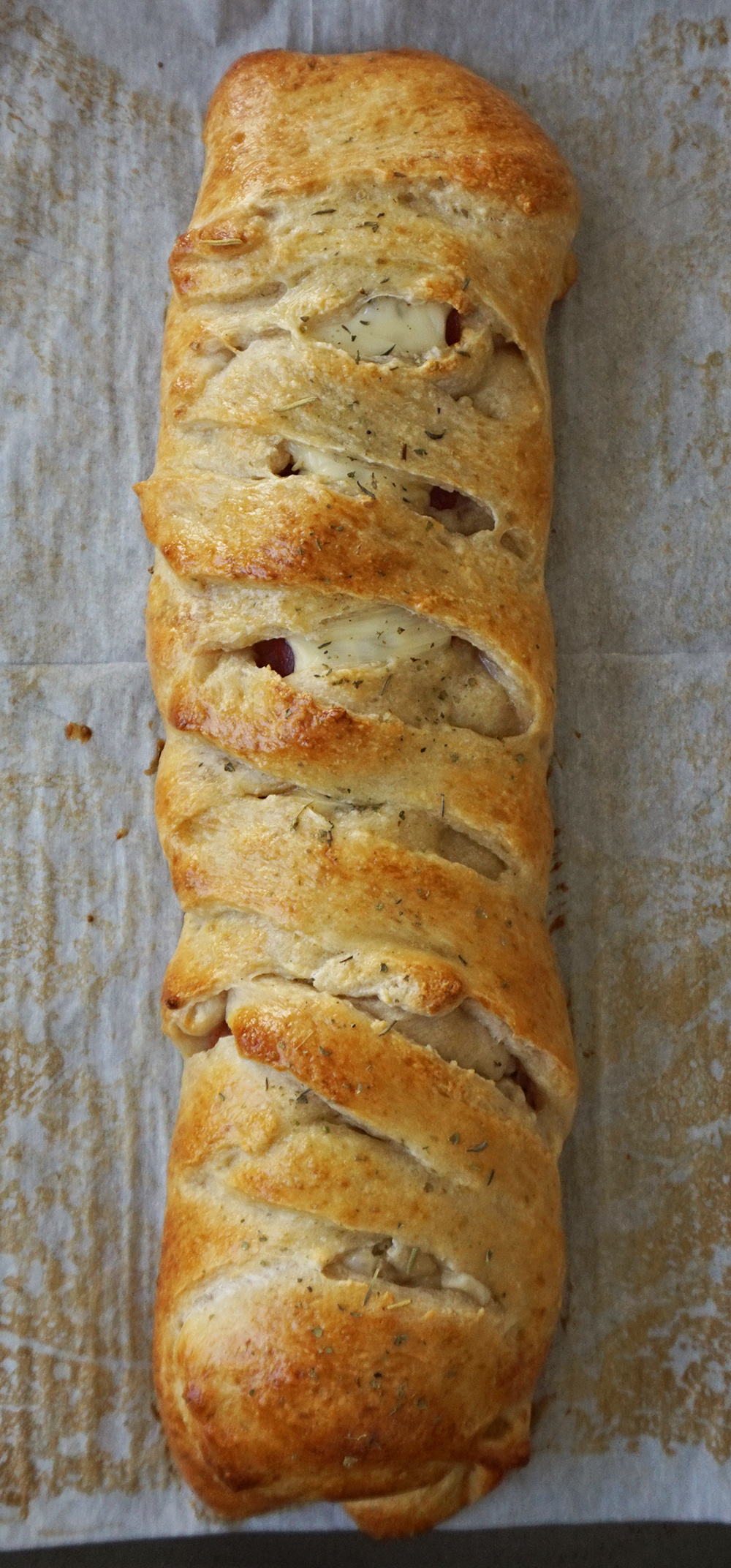 Easy Italian Stromboli from @bijouxandbits
