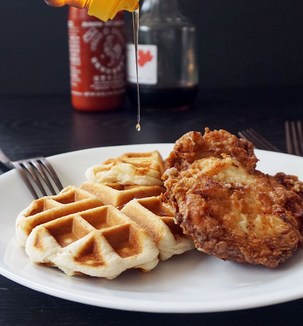 Easy buttermilk fried chicken and waffles from @bijouxandbits