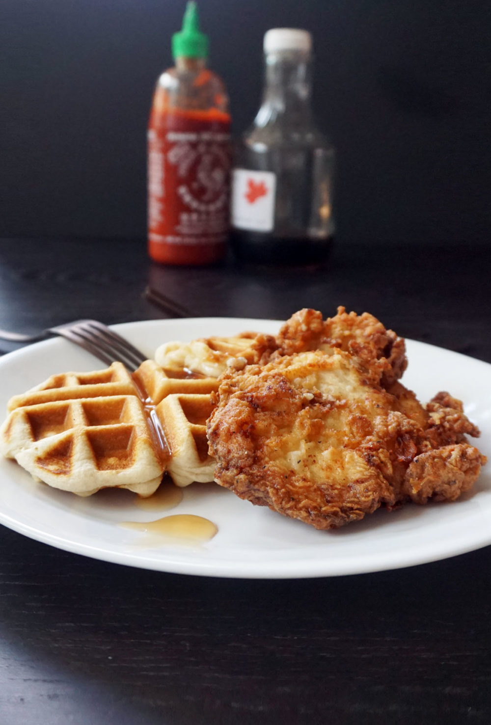 Easy fried chicken and waffles from @bijouxandbits