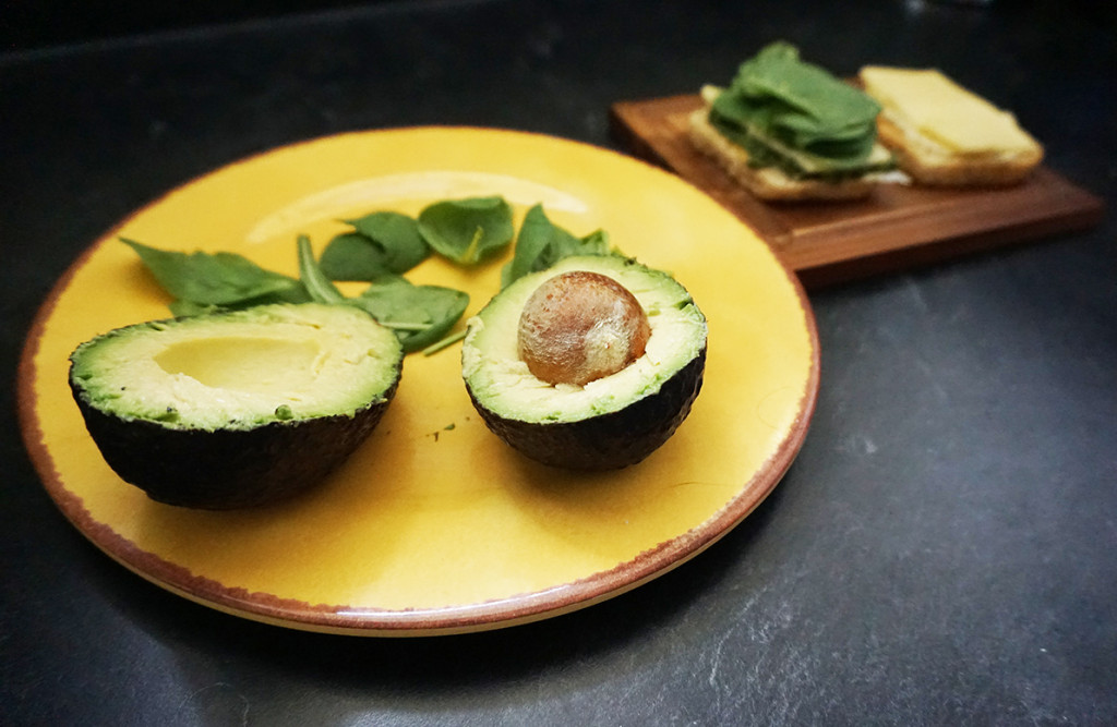 Pesto avocado sandwich recipe