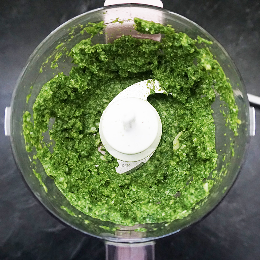 Spinach and artichoke pesto recipe