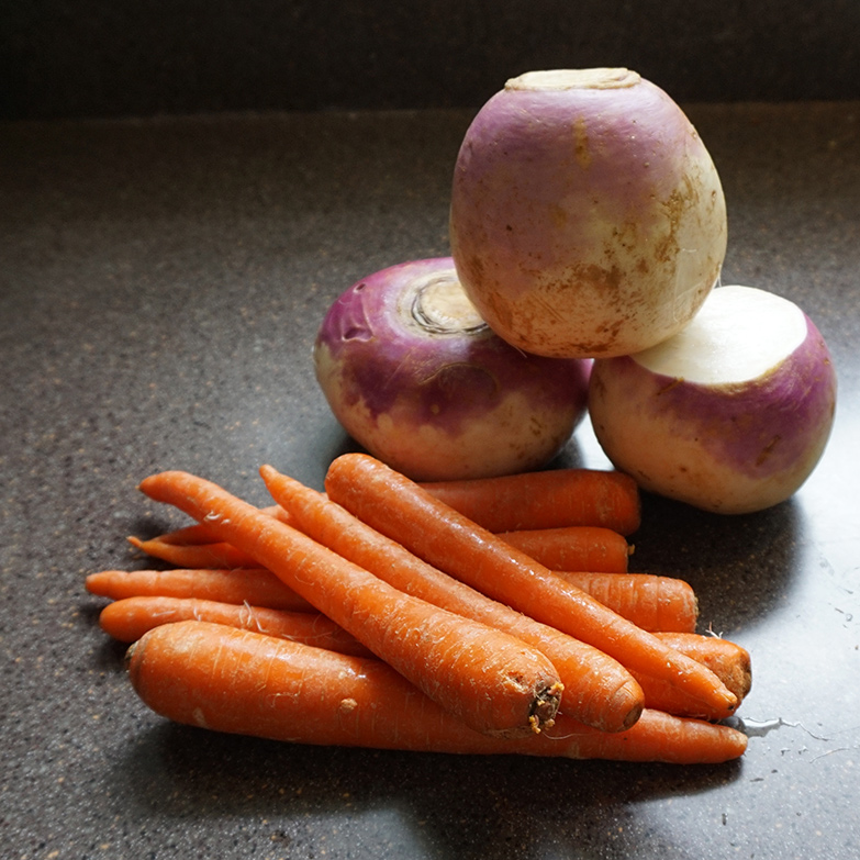 Classic carrot and turnip mash recipe from @bijouxandbits