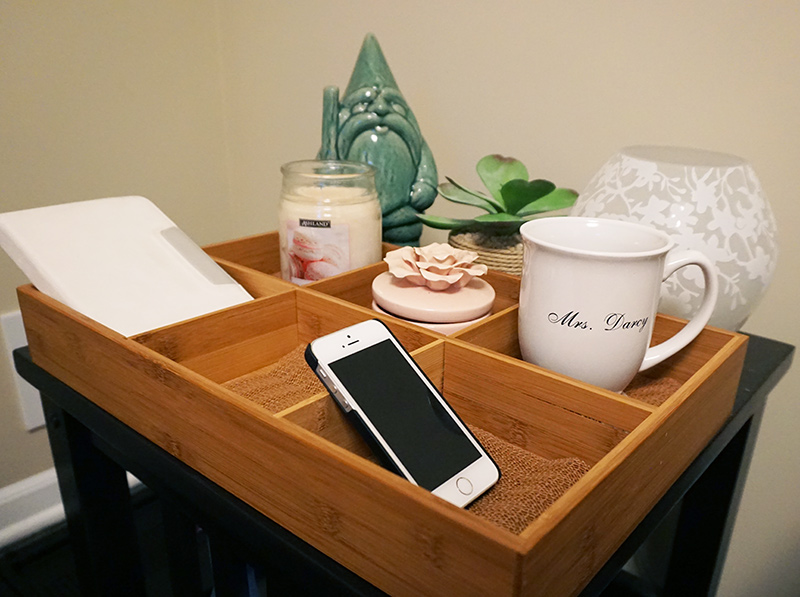 Bedside tray hack from @bijouxandbits