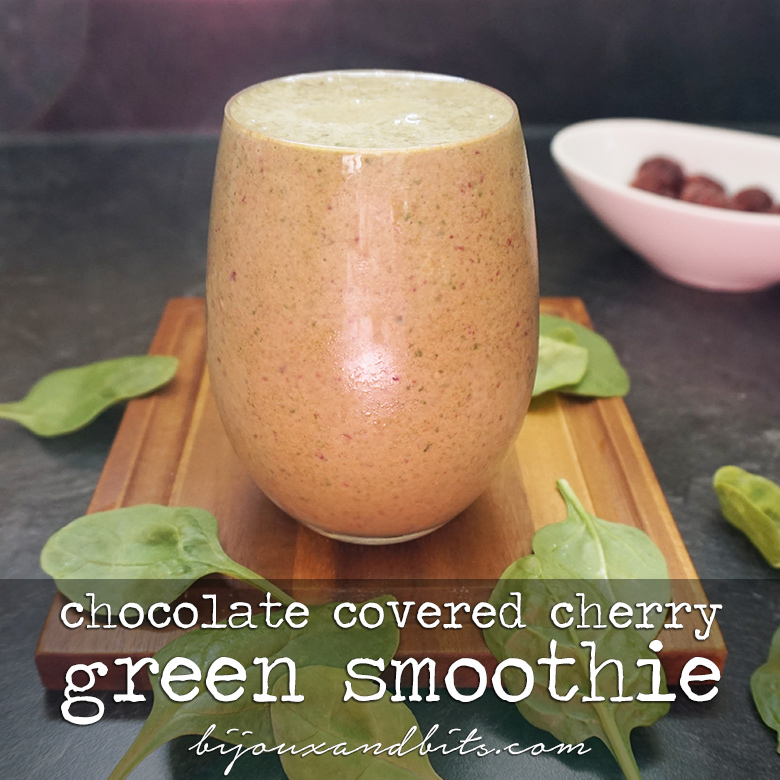 Chocolate covered cherry green smoothie from @bijouxandbits
