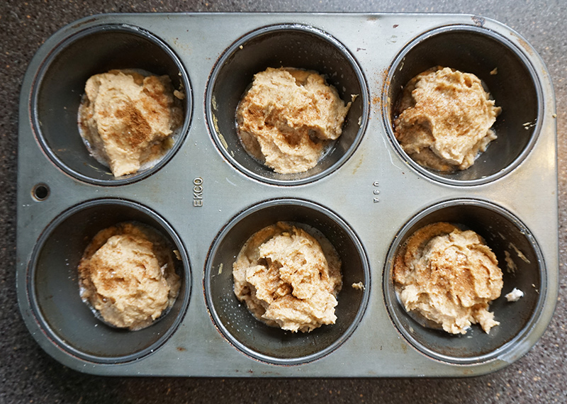 Healthy snickerdoodle muffin recipe from @bijouxandbits