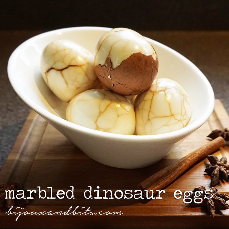 Marbled hard boiled dinosaur eggs from @bijouxandbits