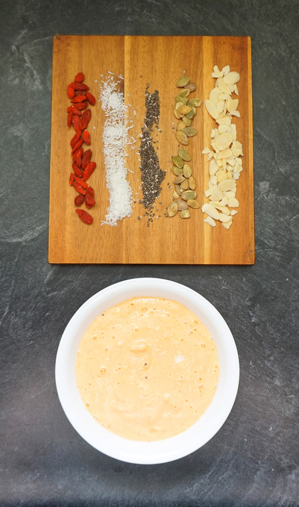 Carrot cake power smoothie bowl recipe from @bijouxandbits