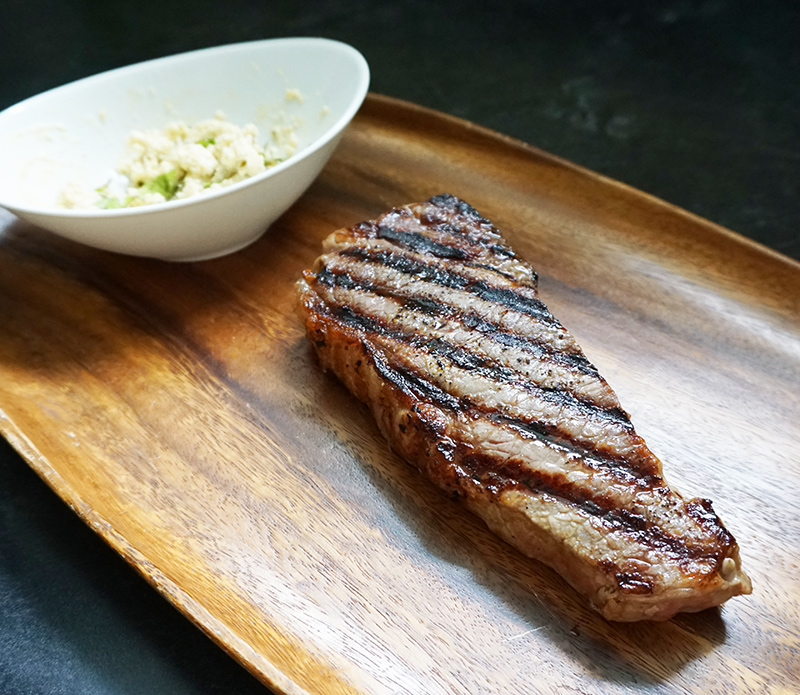 Pan-seared New York strip steak recipe from @bijouxandbits