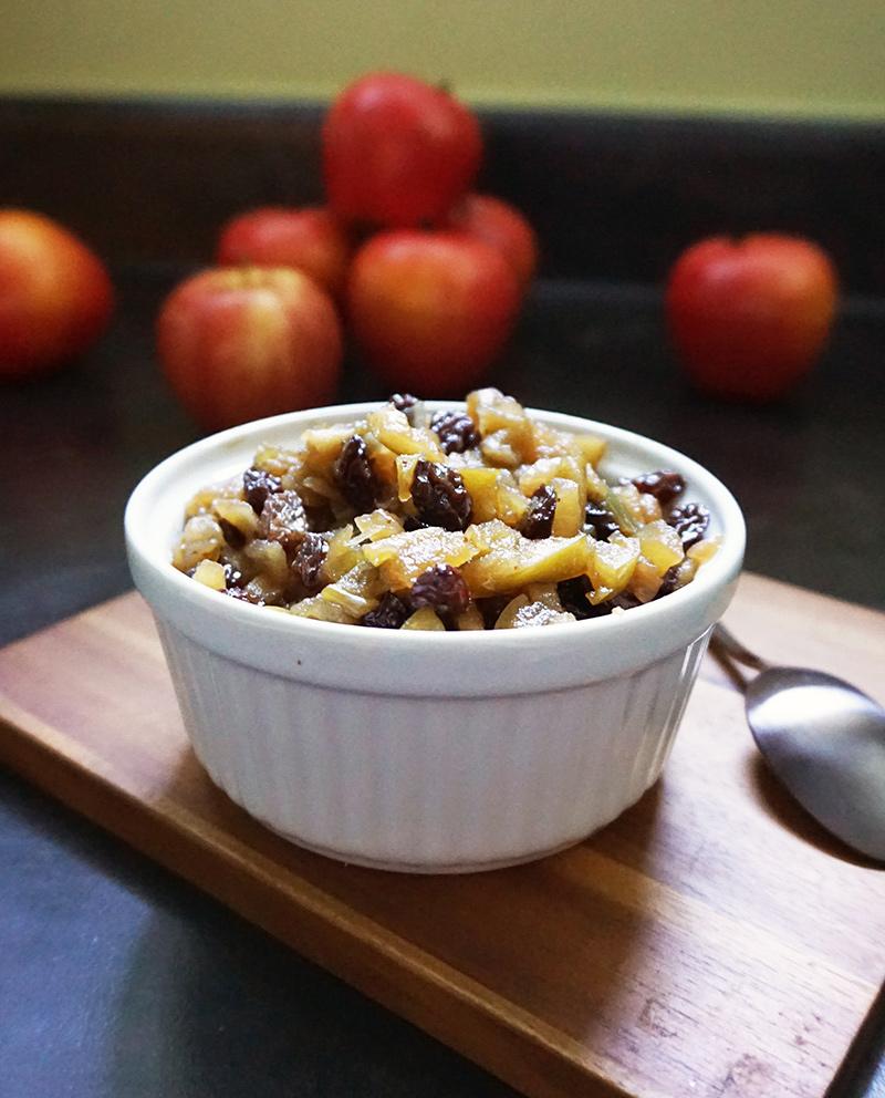 Warm apple chutney recipe from @bijouxandbits