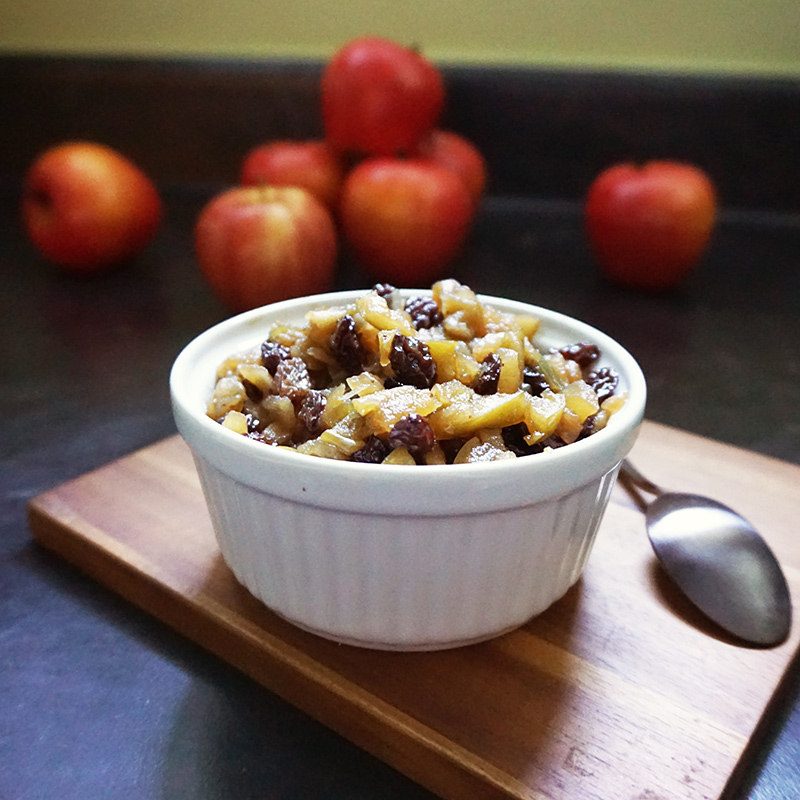 Warm apple chutney recipe from @bijouxandbits