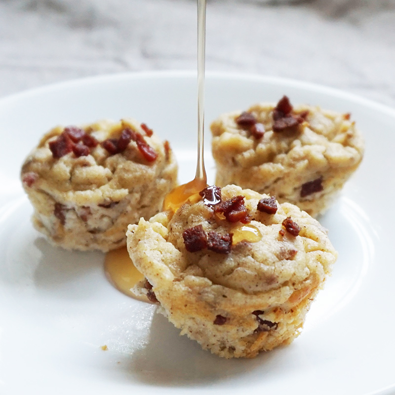 Maple bacon pancake bites from @bijouxandbits