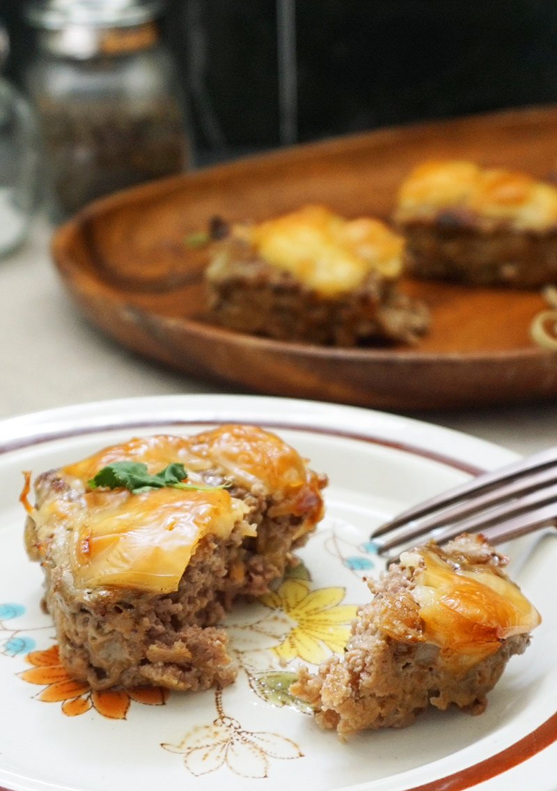 French onion meatloaf recipe from @bijouxandbits