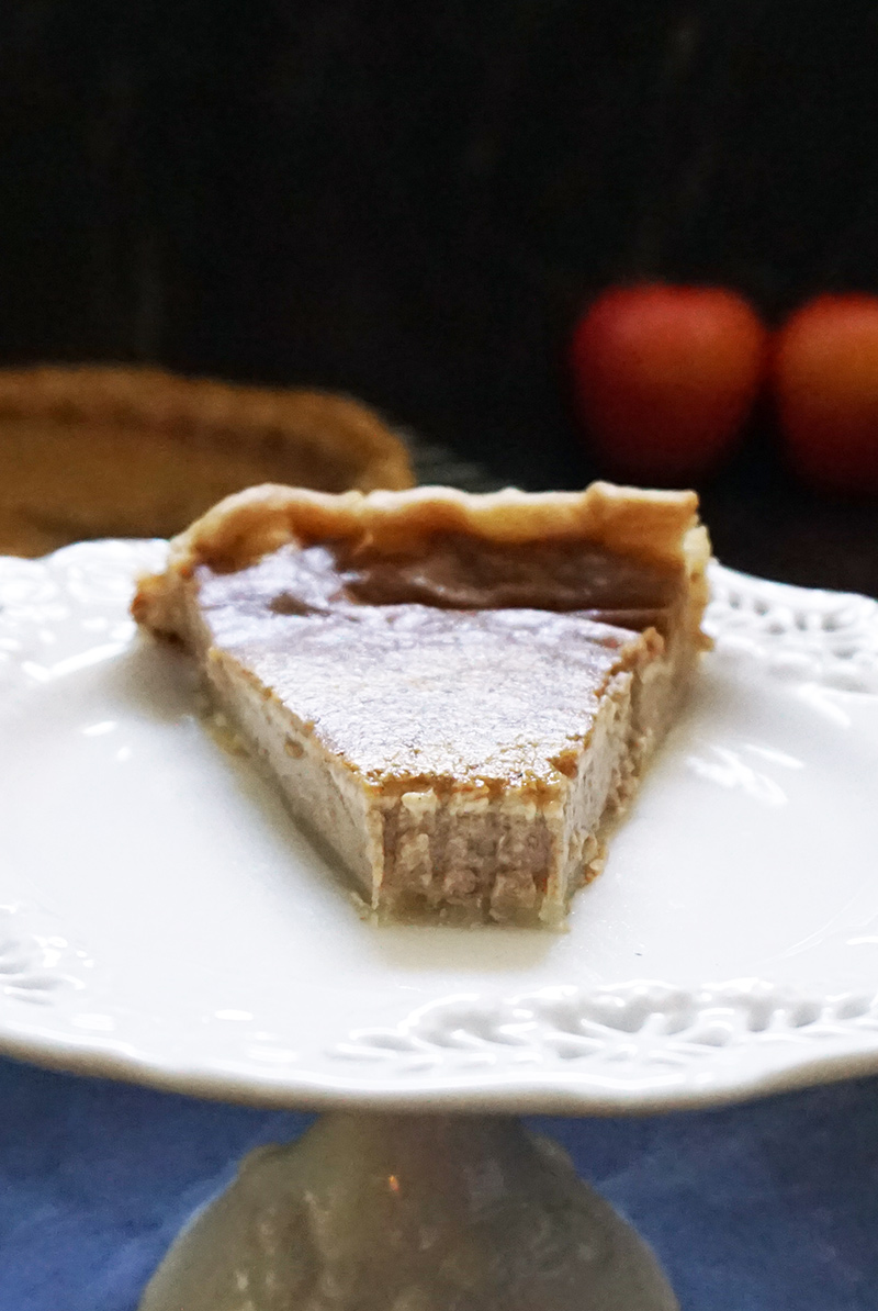 Apple butter pie from @bijouxandbits