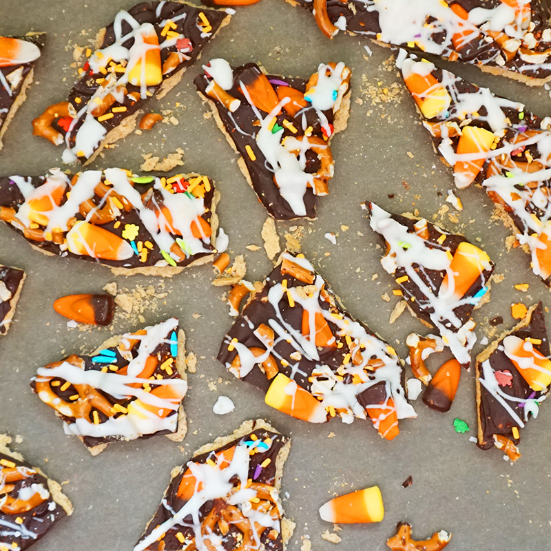 Halloween trash bark
