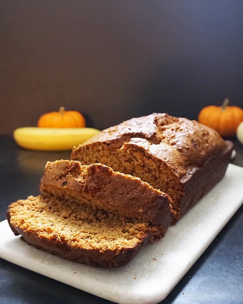 Pumpkin banana bread recipe from @bijouxandbits