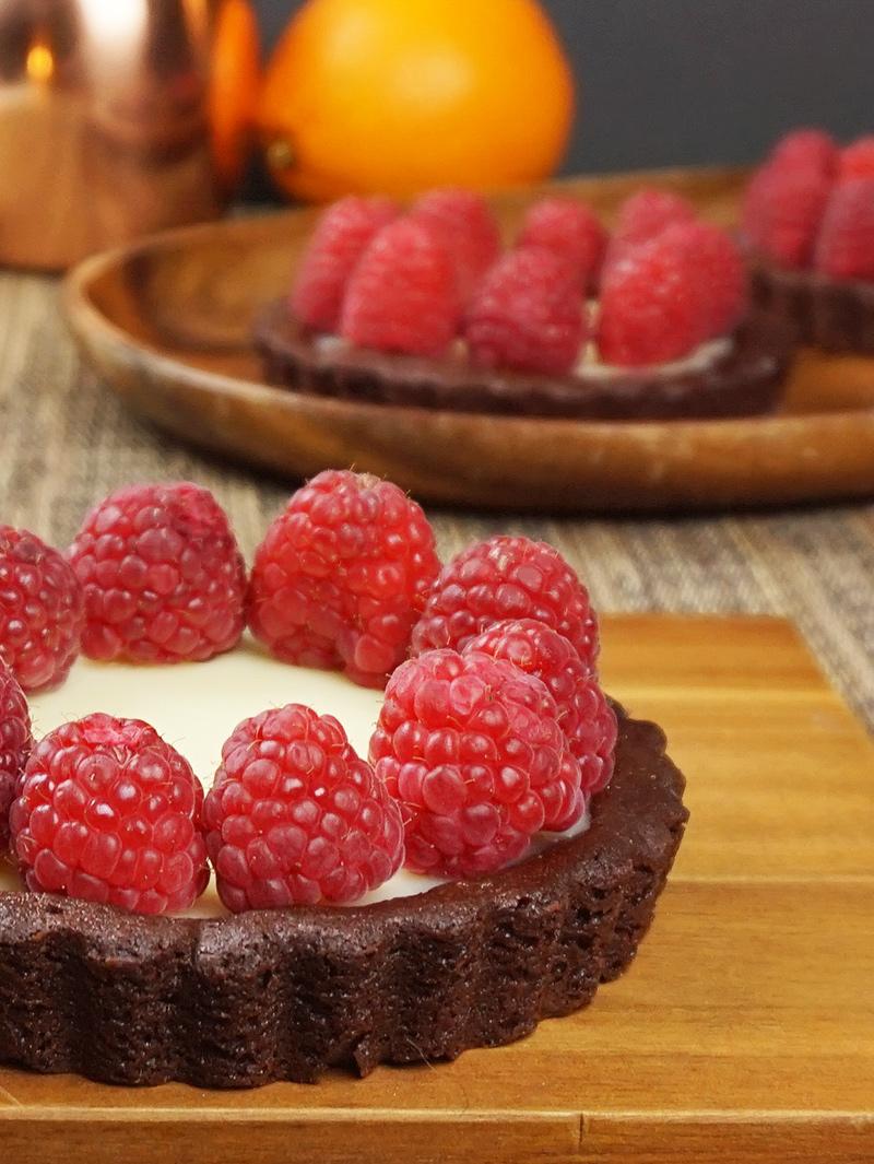 Raspberry orange mascarpone tarts recipe from @bijouxandbits