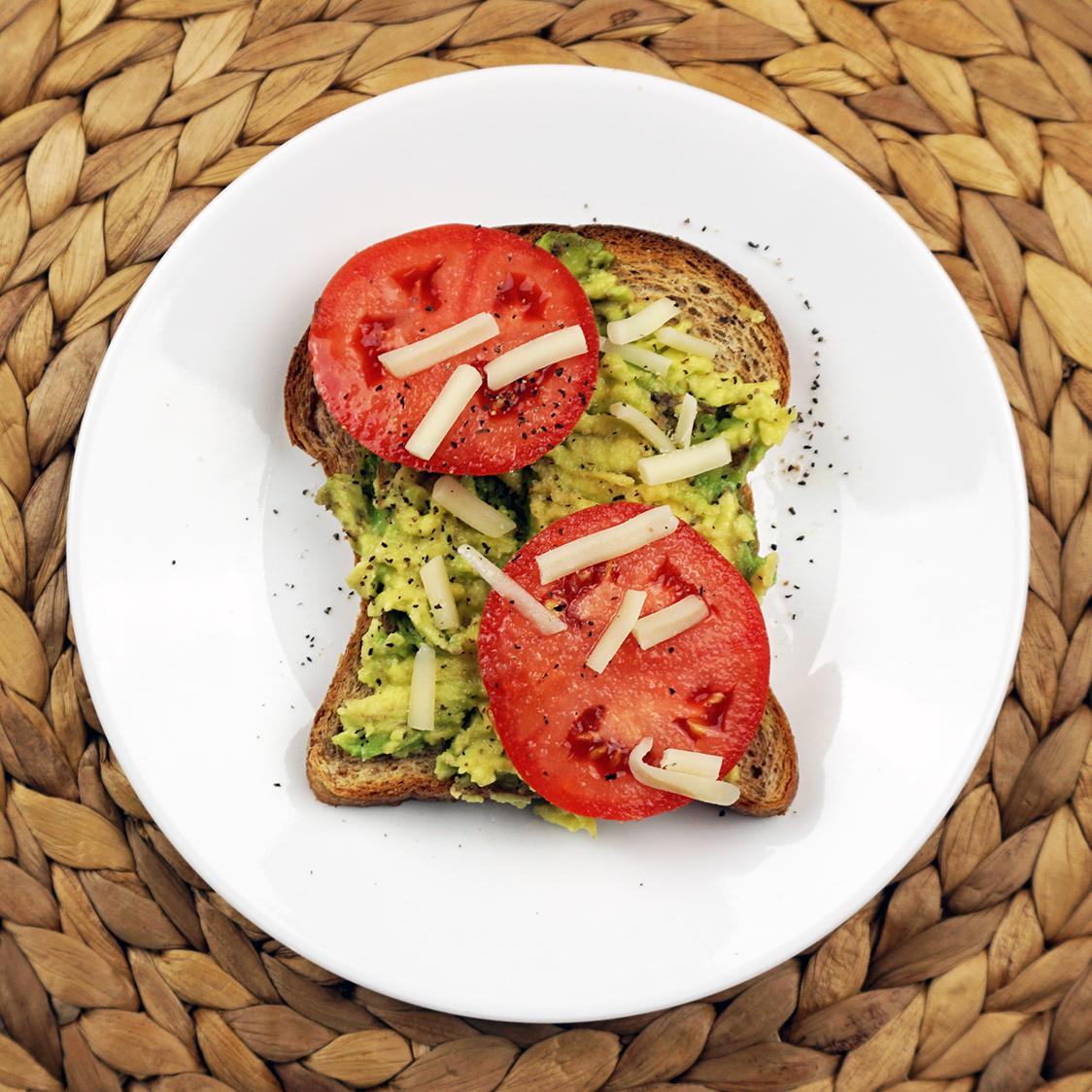 Tomato Gruyere avocado toast from @bijouxandbits