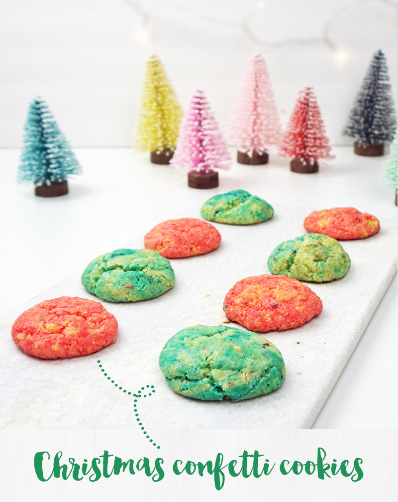 Easy Christmas confetti cookies from @bijouxandbits