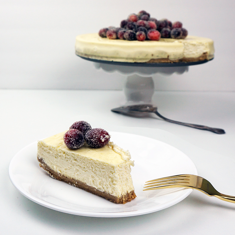 Orange cheesecake with sugared cranberries from @bijouxandbits