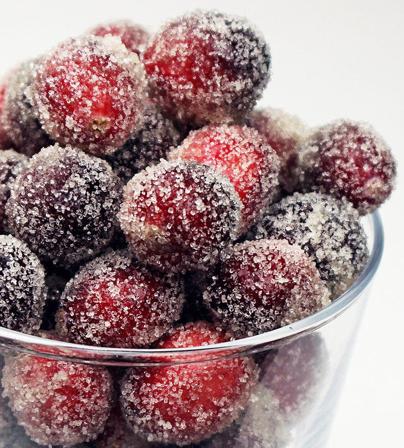 Sugared cranberries from @bijouxandbits