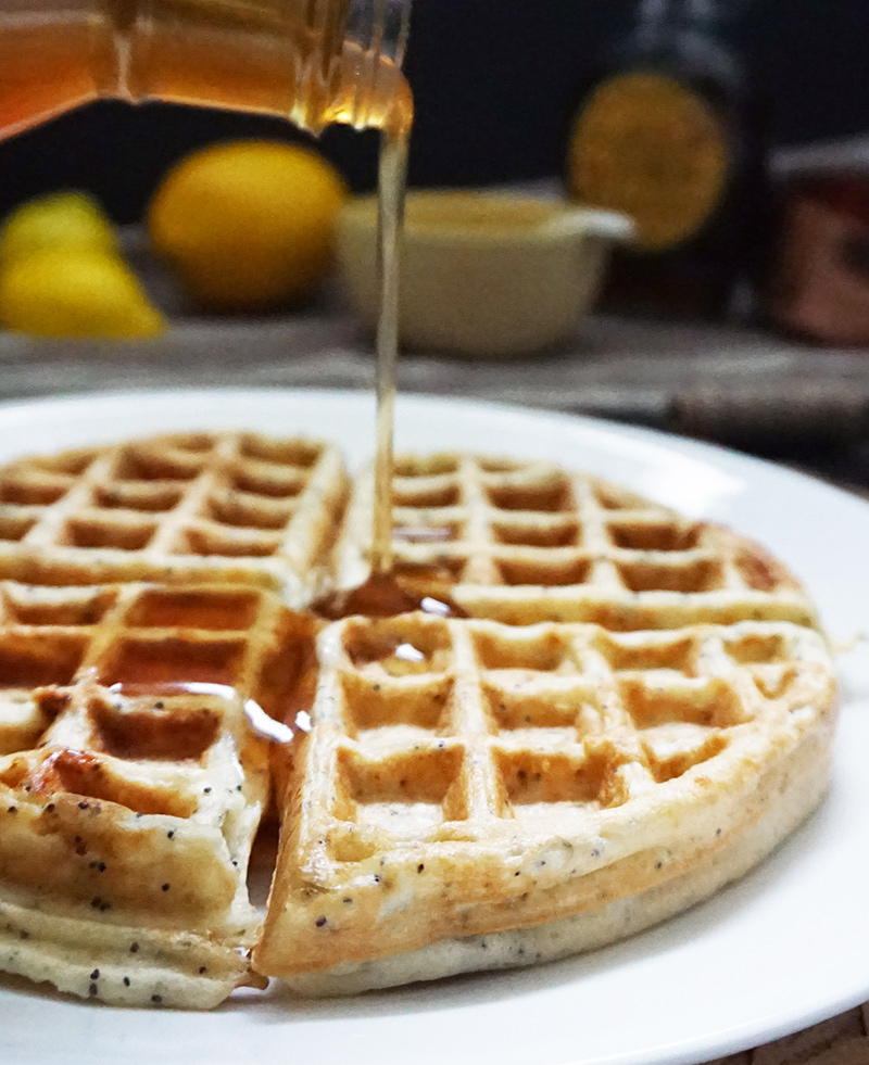 Lemon poppyseed waffles from @bijouxandbits #waffles #recipes