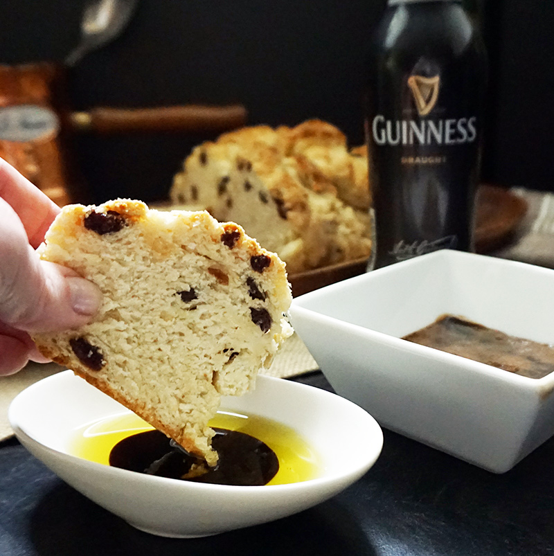 Guinness sauce recipe from @bijouxandbits #guinness #stpatricksday #reduction