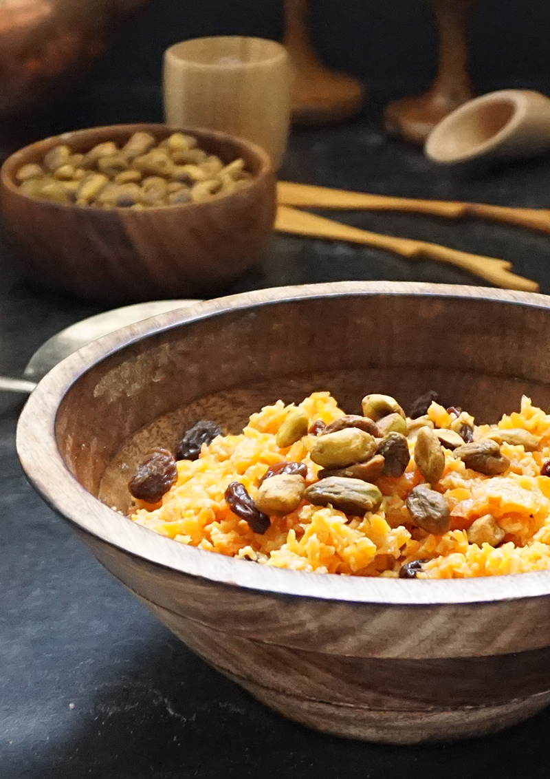 Vegan carrot halwa recipe from @bijouxandbits #indian #halwa #vegan
