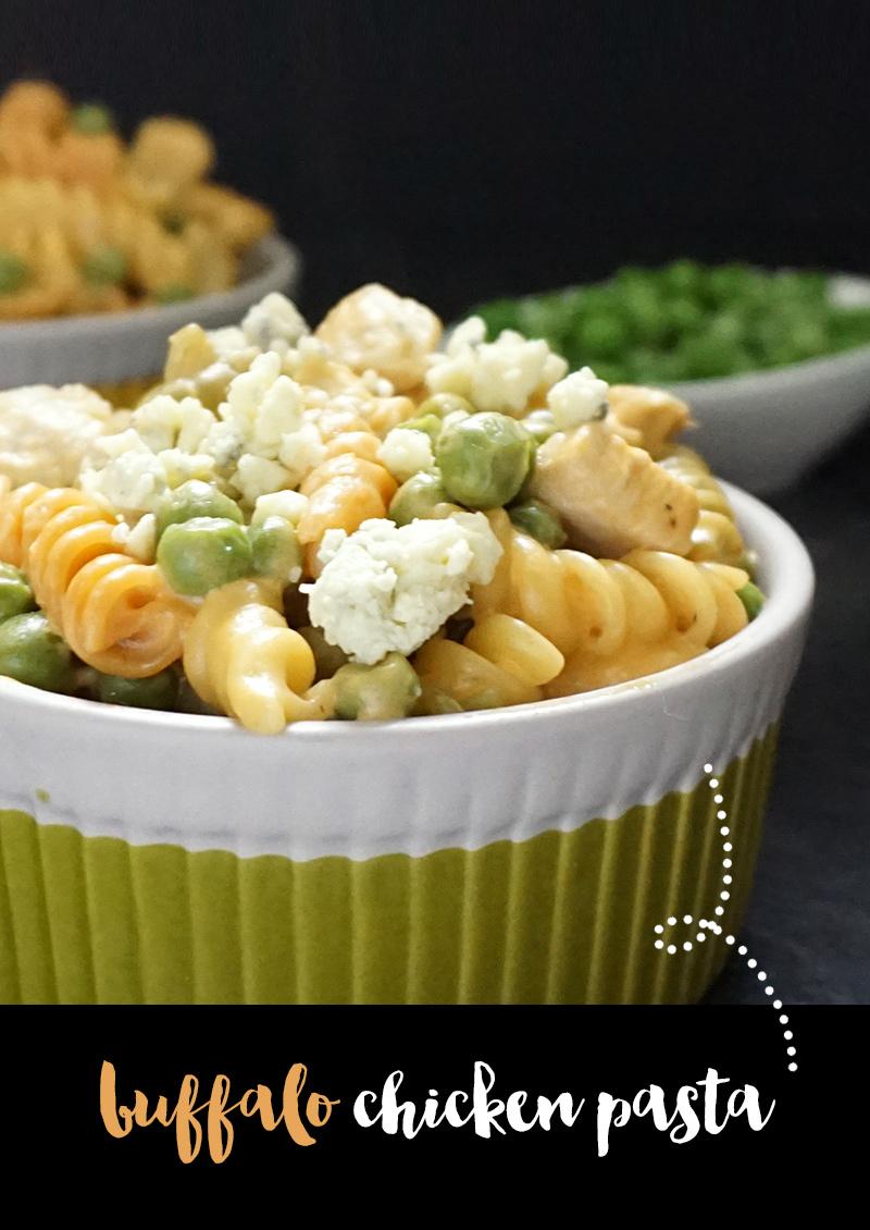 One pot Buffalo chicken pasta from @bijouxandbits #chicken #pasta #recipes