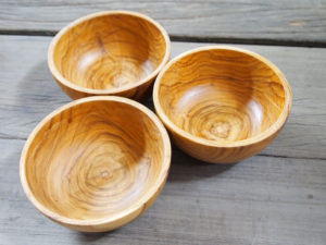 Pretty wooden serving bowls