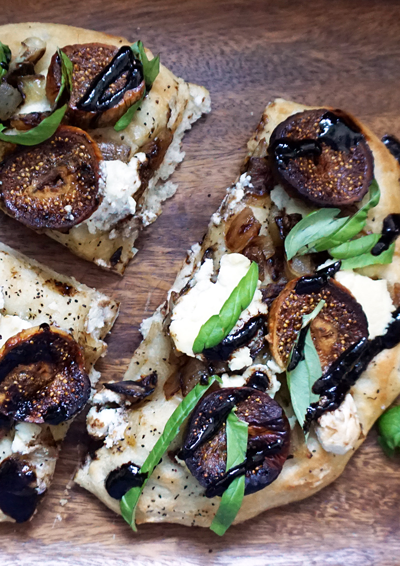 Caramelized onion, fig, and ricotta pizza from @bijouxandbits #pizza #ricotta