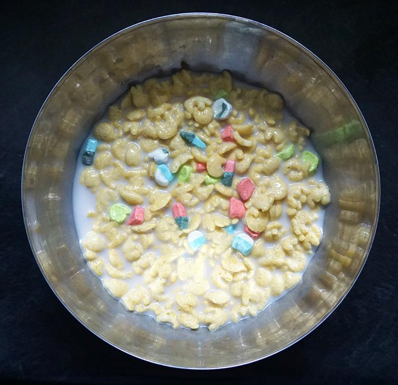 Cereal milk cream pie from @bijouxandbits #cerealmilk #pie