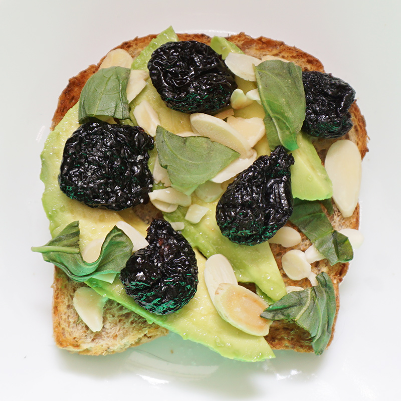 Avocado toast recipes from @bijouxandbits