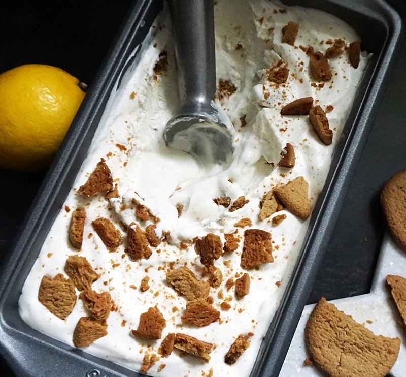Lemon ginger snap no-churn ice cream from @bijouxandbits