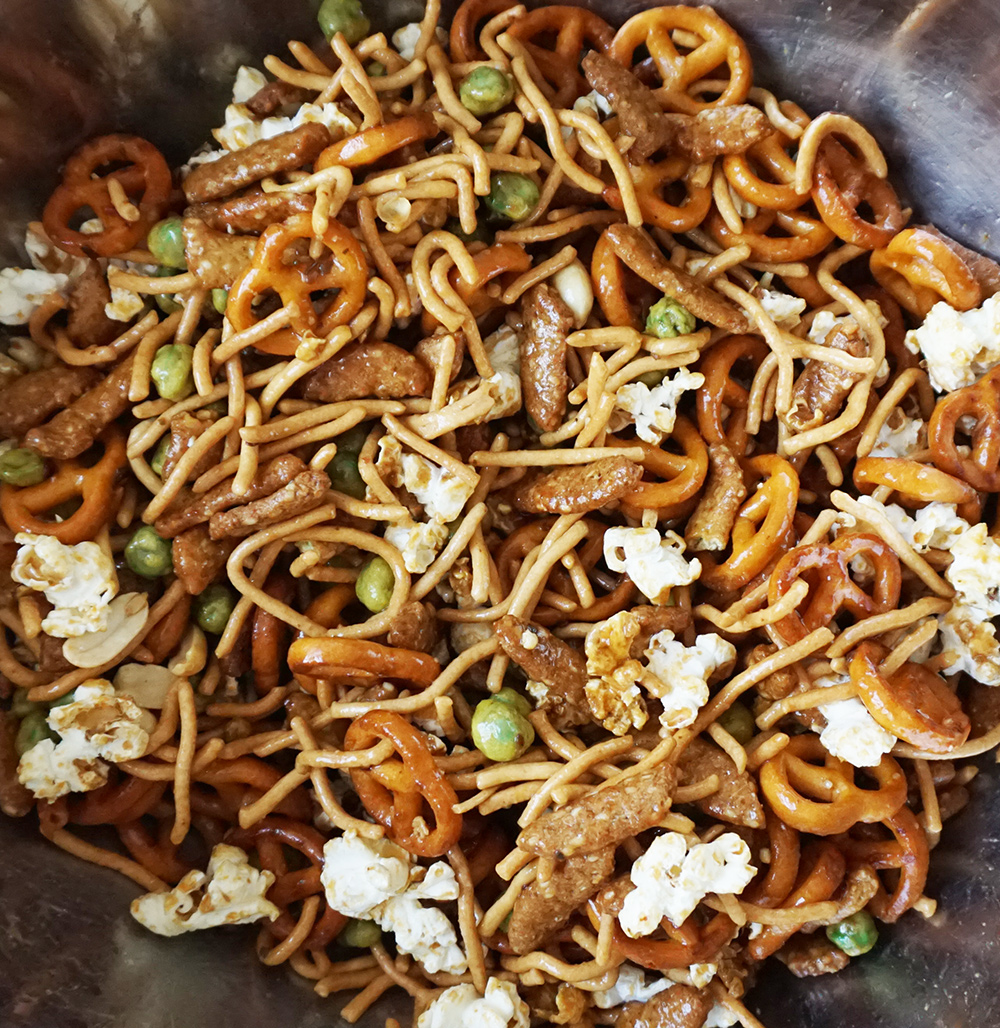 Asian snack mix from @bijouxandbits