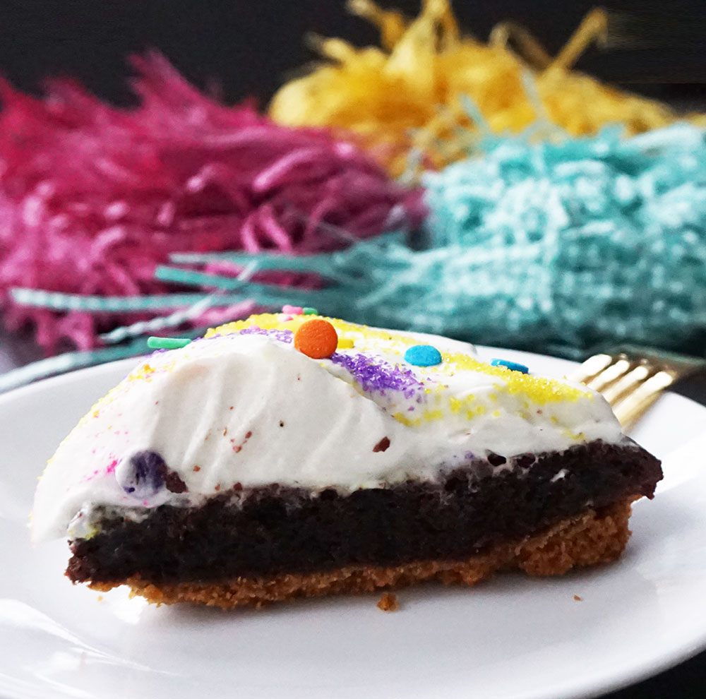 Marshmallow Peeps brownie s'mores pie (the easy way) from @bijouxandbits