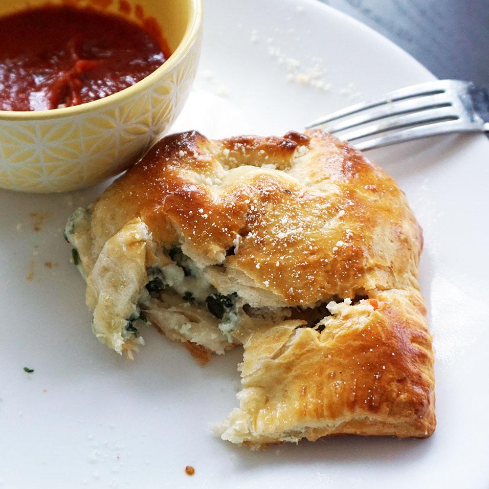 Sausage spinach ricotta pasties from @bijouxandbits