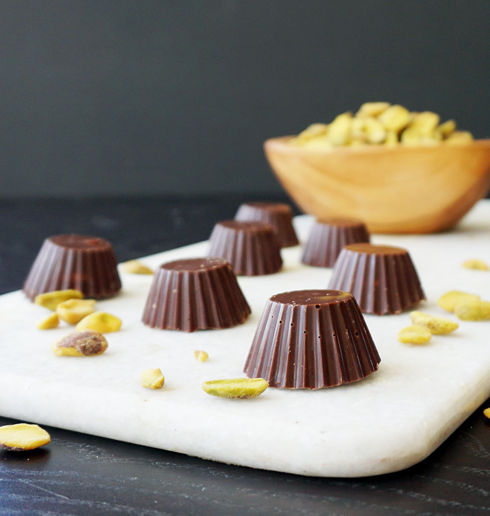 Pistachio toffee cups