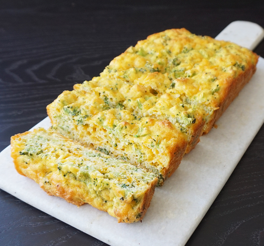 Cheddar broccoli breakfast bread (low carb & gluten free)